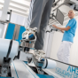 La rééducation à la marche robotisée  exosquelette type Lokomat est elle plus ou moins efficace que la technologie robotisée de type END EFFECTOR ?